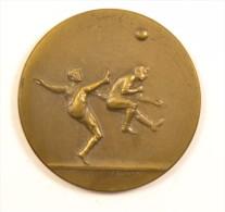 Ancienne Médaille De Foot Football Frasumny Frasvmny, Offert Par Dumay-Sport, Années 1930 - 150 - Apparel, Souvenirs & Other