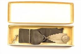 Ancienne Médaille D'argent De Foot Football Années 1930 - 1940 - Apparel, Souvenirs & Other