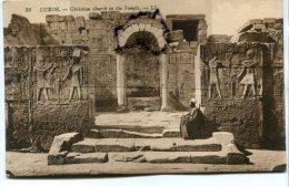 - 36 - LUXOR - ( Egypte ) , Christian Church In The Temple, Gardien ?, Peu Courante, Non écrite, TBE, Scans. - Pyramids