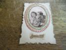 CPA Des Années 30, Couple En Découpi Forme De Cadre Ovale, Tissu En éventail, Joyeux Noël, Daté 1936 - Fancy Cards