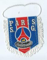 Fanion Football L'équipe De Paris Saint Germain - Apparel, Souvenirs & Other