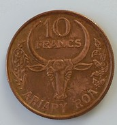 Madagascar - 10 Francs 1996 - - Madagascar