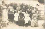Carte Photo (Saint Cheron 91 Essonne) Groupe Femmes, Filles, Oiseau Perroquet En Cage, Chien, Bouledogue - Saint Cheron