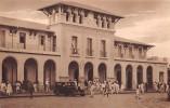 """02885 """"ETIOPIA ITALIANA - ADDIS ABEBA - LA STAZIONE"""" ANIMATA, AUTO. ANNI '30 XX SECOLO.  CART. NON SPED. - Etiopia"""