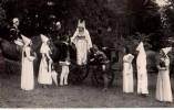 Photo Originale Carnaval, Fête, Attelage, Calèches,  - Princesse, Robe, Déguisement, Spectacle, Chevaux, Médiéval - Cyclisme