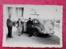 Photo Voiture Ancienne  Baise Main 1942 - Automobiles