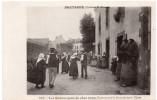 BRETAGNE - Les Bonnes Gens De Chez Nous -  Petite Sauterie Le Dimanche Après Vêpres -  Karten Bost E. Hamonic - Bretagne