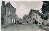 53 - LA BAZOUCHE DE CHEMERE - Carrefour Du Centre - - Autres Communes