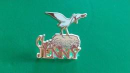 CHEZ JENNY . CIGOGNE . PIN'S ARTHUS BERTRAND - Pin's