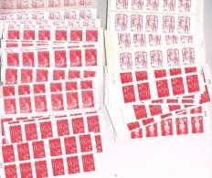 """FRANCE - Ensemble de 718 timbres """"Lettre prioritaire 20 gr."""" en carnets autocollants (FACIALE : 545,68�) TB."""
