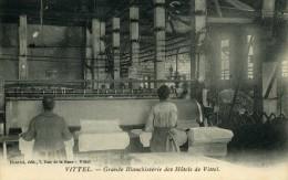 CPA Vosges 88  VITTEL METIERS La Grande Blanchisserie Des Hotels Intérieur Beau Plan Machines A Repasser - Vittel Contrexeville