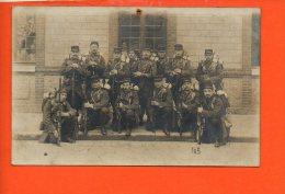 Militaire - Carte Photo  Groupe De Personnages - Photo Populaire G.  Louguet , Rue Des Capucins Rouen - Personnages