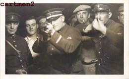 MONTAGE PHOTO TIR A LA CARABINE FETE FORAINE FOIRE GENDARME POLICIER MILITAIRE SURREALISME