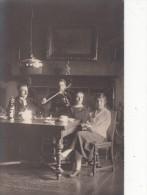 CARTE PHOTO  d'une Famille avec un enfant jouant du Violon