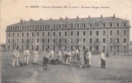 NANTES  - Caserne Cambronne  ( 65 Eme De Ligne ) Batiment Colonel Coutard  ( Militaires ..en Corvée) - Nantes