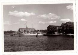 Photo Originale Bateau - Magnifique 3 m�ts au port - Voilier - Vieux gr�ement � quai -