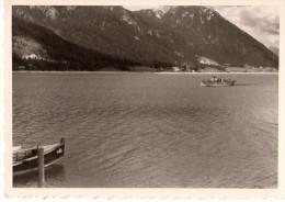 Photo Originale Bateau - Bateau touristique - Mini croisi�re - Montagne - Suisse ? -