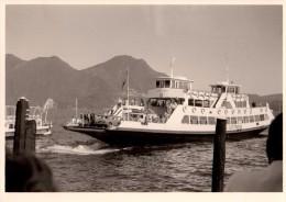 Photo Originale Bateau - Arriv�e du bac sur le Lac Majeur S. GOTTARDO - Le 27 juillet 1965 - Verban�a - automobiles