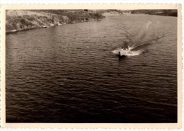 Photo Originale Bateau - Bateau Off shore en bonne vitesse - Riva ?