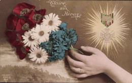 WWI: GLOIRE AUX HEROS! RED, WHITE AND BLUE FLOWERS & MILITARY MEDAL - Patriotic