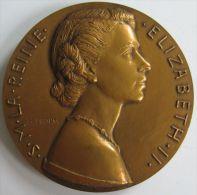 M05083 ELIZABETH II - Son Buste (190g) La France - 2 Juin 1953  Au Revers - Royal/Of Nobility