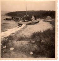 Photo Originale de Bateaux - Boden Allemagne 1955 - 2 photo - Photo de famille dans un bateau - Migrants -