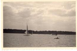 Photo Originale de Bateaux  Sur un Lac le 02.05.1940 - Allemagne - L�gende au dos - Auf einem Boot auf dem Lake 1940.