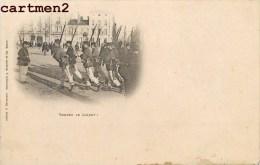 """NANCY CASERNE """" TENDEZ LE JARRET """" SERVICE MILITAIRE SOLDATS MILITAIRES GUERRE 1900 - Nancy"""