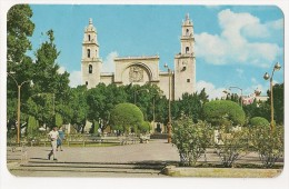 S3685 - The Cathedral Facing The Main PlazaMérida Yuc, Mexico - Equateur