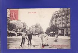 PARIS Operation Arosage Boul Menilmontant (1 CORNURE LEGERE + TRES LEGERE TACHE EN HAUT TTB TENUE)  I124) - Non Classés