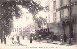 24 - BERGERAC  - Hôtel Terminus - Face à La Gare - Badauds -  1918 - 2 Scans - Bergerac
