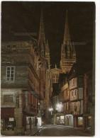 En Bretagne - Quimper La Nuit, Cathédrale Saint-Corentin - écrite Et Timbrée 2 Scans - Quimper