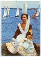 Folklore De Bretagne - Bigoudenne Sur La Côte - écrite Non Timbrée 2 Scans - France