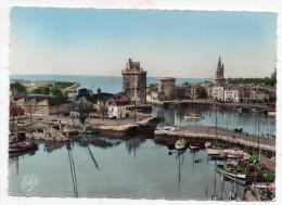 Cpsm 17 - La Rochelle - Vue Sur Le Bassin Et Le Port - Les Trois Tours - La Rochelle