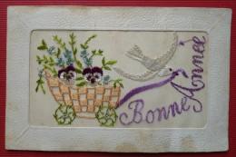 - BONNE ANNEE - CARTE BRODEE - - Nouvel An