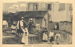 MADAGASCAR CONGREGATION DE SAINT JOSEPH DE CLUNY AU TRAVAIL POUR REPARER LES BRECHES - Madagascar