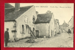 MBL-09  Saint-Menoux  Vieille Rue, Maison Du Saint, ANIME.Non Circulé - Autres Communes