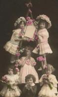 ENFANTS - LITTLE GIRL - MAEDCHEN - Jolie Carte Fantaisie GROUPE DE FILLETTES - Kinder