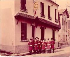 """VIEUX MOULIN 60  - AUBERGE DU DAGUET Et SONNEURS """" LE DEBUCHE DE PARIS """"  - CPSM Photo GF (Edition Auberge ) Oise - Autres Communes"""