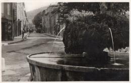 VAR 83 SAINT ZACHARIE PLACE DU 4 SEPTEMBRE  FONTAINE SAINT ROCH - Saint-Zacharie