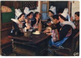 Folklore De Bretagne - Région De PONT-AVEN, RIEC-sur-BELON, NEVEZ - En Famille - écrite Et Timbrée - 2 Scans - Pont Aven