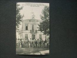 La Roque D'Anthéron Place De La Mairie Horloge Lézardée Tremblement De Terre Juin 1909 - Non Circulée  L232 - Andere Gemeenten