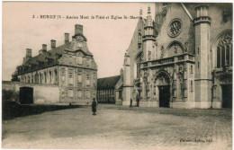 CPA Bergues, Ancien Mont Le Piété Et Eglise St Martin (pk27042) - Bergues