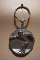 PORTE-CLEFS  ---- PETANQUE  --( C.N.P.O.  1e PRIX CONCOURS  RESIDENCE  DES ISLES -  CORSICA ) - Bowls - Pétanque