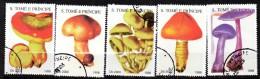 Lot de 5 timbres - non r�pertori�   -oblit�r� - Champignons - SAINT THOMAS ET PRINCE