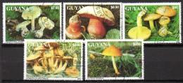 Lot de 5 timbres - non r�pertori�   -oblit�r� - Champignons - GUYANA