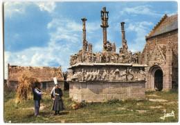 Bretagne - Calvaire De Tronoën 15e Siècle - Le Plus Ancien Des Calvaires Bretons - écrite Et Timbrée - 2 Scans - Bretagne