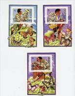 Scoutisme-champignons-Mali-739/41***MNH-Timbres de la s�rie-Blocs-NON Dentel�-