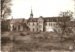 CINEY (5590) : Côté Jardin Du Centre De Retraites Ste-Thérèse, 124 Avenue Schlögel. CPSM. - Ciney