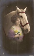 JEUNE FEMME ET CHEVAL- OEIL EN VERRE-horse-paard- - Pferde